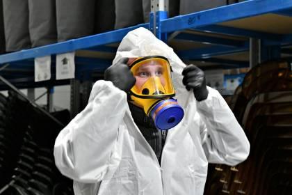 Ozonowanie pomieszczeń przeprowadza przeszkolony personel wyposażony w profesjonalne środki ochrony osobistej