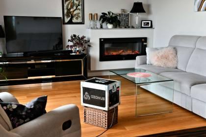 Ozonowanie mieszkania zwalcza wirusy i bakterie oraz usuwa nieprzyjemne zapachy